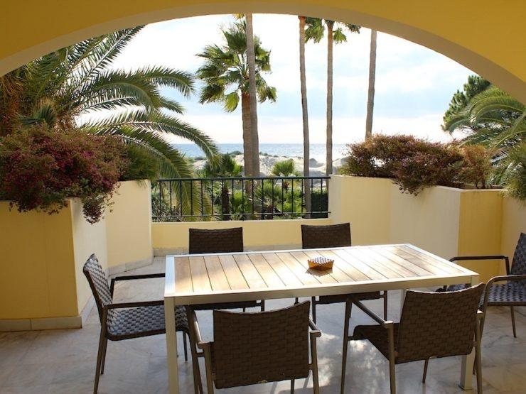 2 bedroom, 2 bathroom Apartment for rent in Elviria, Marbella
