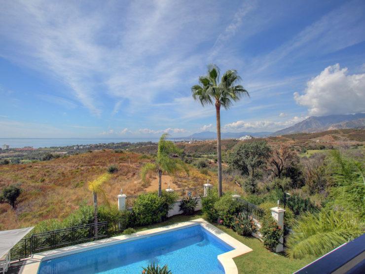 5 bedroom, 4 bathroom Villa for sale in El Rosario, Marbella