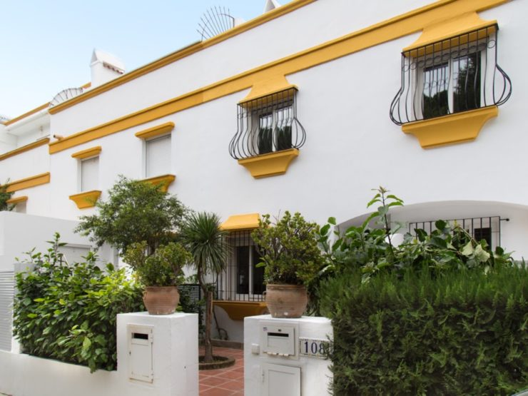 3 bedroom, 3 bathroom Townhouse for rent in Marbella Golden Mile, Marbella
