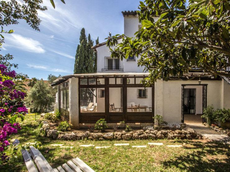 7 bedroom, 6 bathroom Villa for sale in Costabella, Marbella