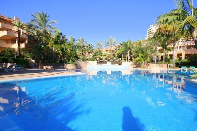 2 bedroom, 2 bathroom Apartment for sale in Rio Real, Marbella