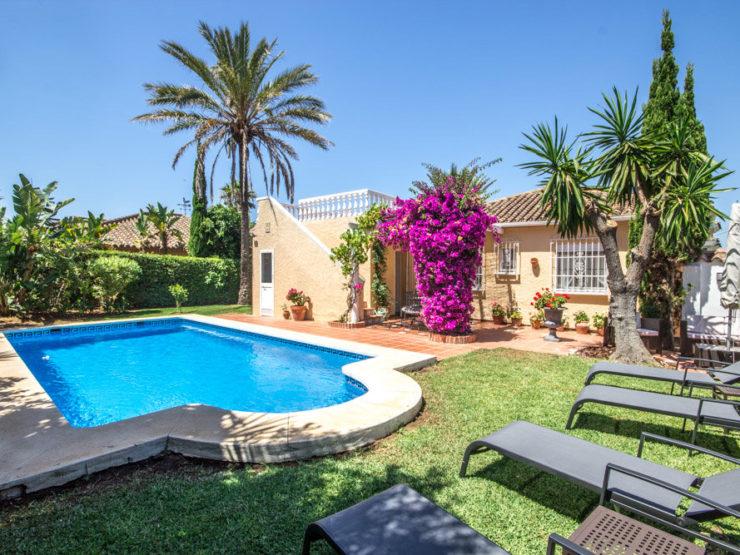 3 bedroom, 2 bathroom Villa for rent in Marbesa, Marbella