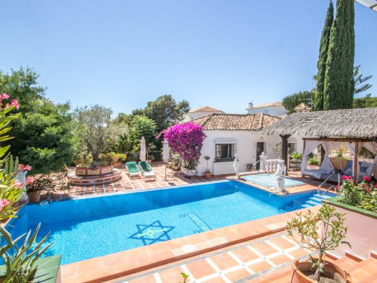 5 bedroom, 4 bathroom Villa for sale in Marbesa, Marbella