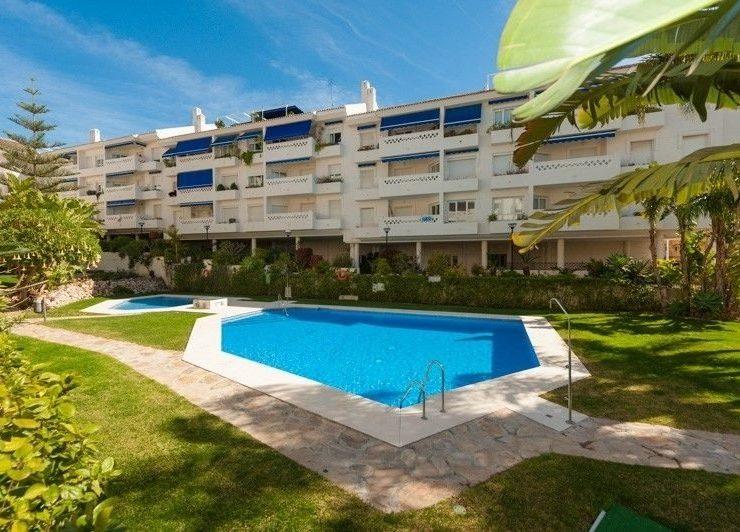 2 bedroom, 1 bathroom Apartment for sale in San Pedro Playa, San Pedro Alcantara