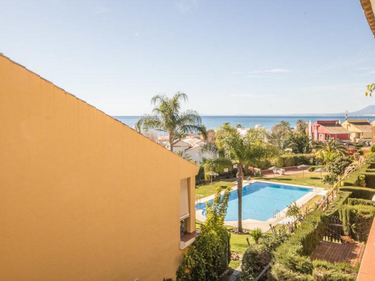 2 bedroom, 2 bathroom Apartment for rent in Costabella, Marbella