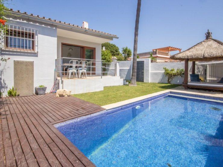 2 bedroom, 1 bathroom Villa for sale in Costabella, Marbella