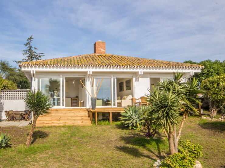 fully renovated single level Villa with sea views