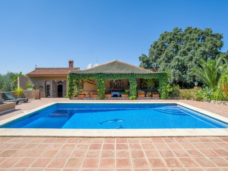 Beautiful  Finca with 2 houses on 4600m2 Plot in Alhaurin el Grande