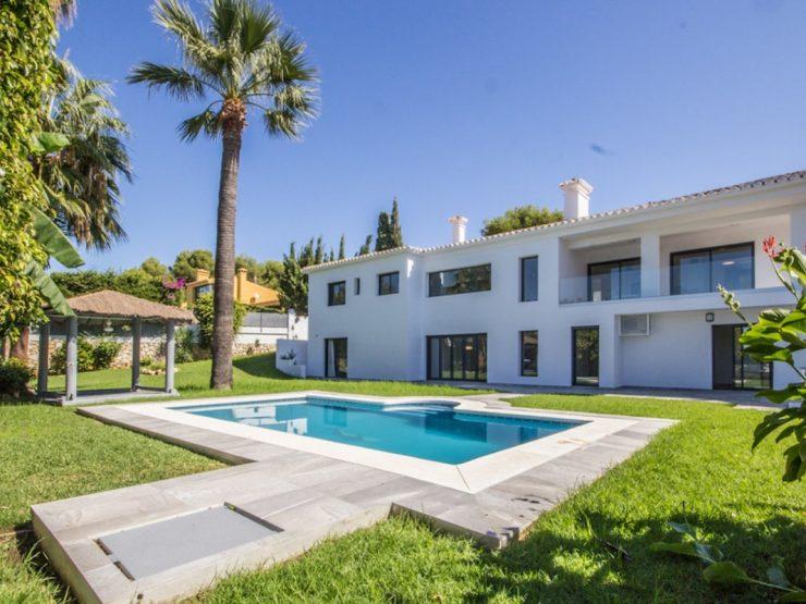 6bed villa in Artola Alta with beautiful sea views
