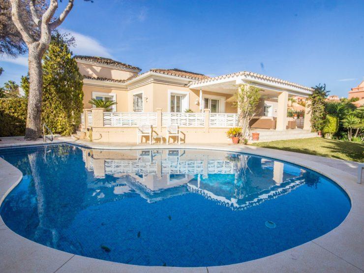 Beautiful detached villa near Cabopino port