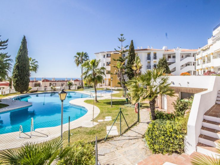 renovated apartment with sea views in Riviera del Sol