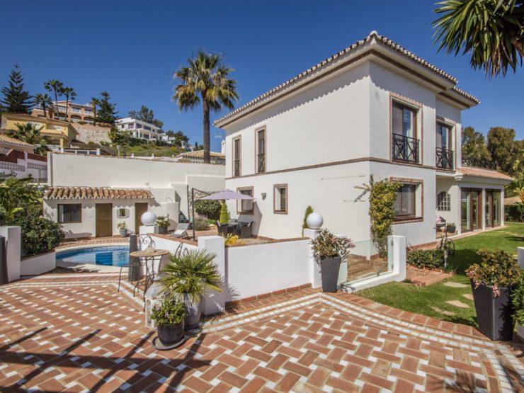 stunning Villa near La Cala