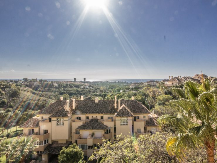 2 bedroom Apartment with panoramic views – Elviria Hills