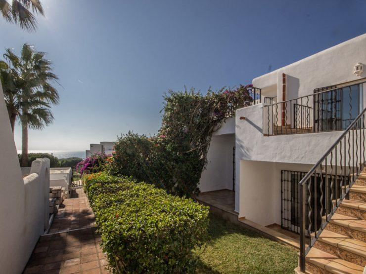 bonita casa con vistas al mar en Cabopino