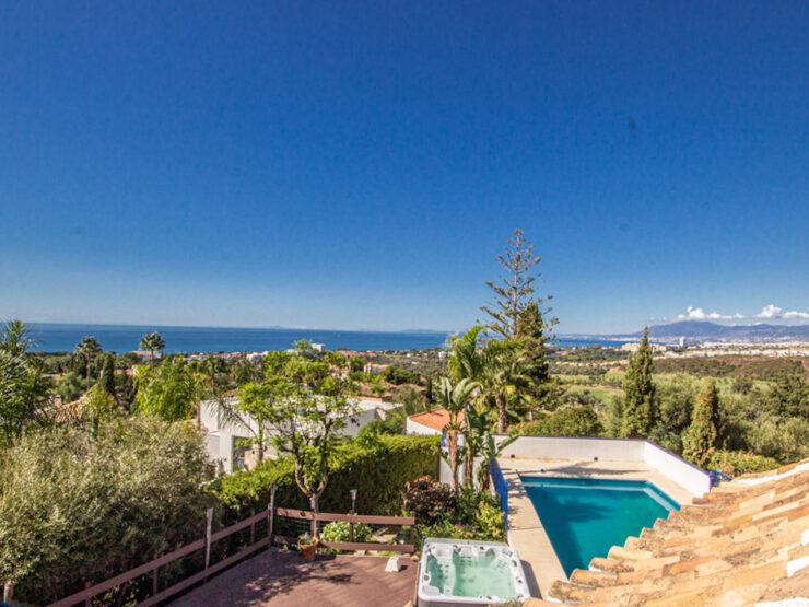 Villa in el Rosario with panoramic sea views